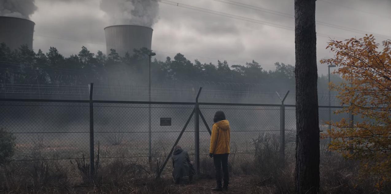 Cena do episódio T03E05 em que Martha e Jonas tentam invadir a usina nuclear.