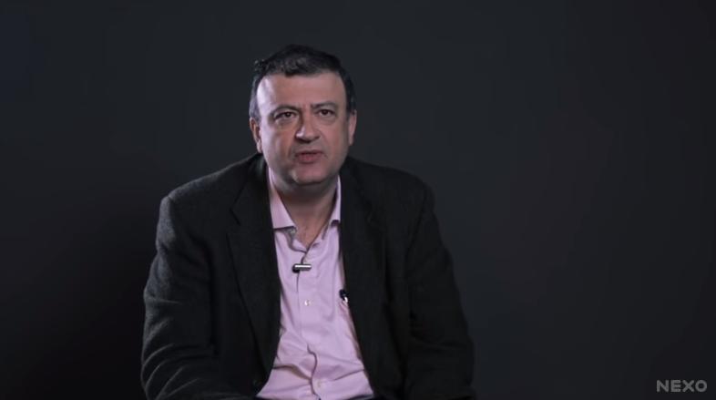 Captura de tela de um vídeo do Nexo Jornal no Youtube, com uma entrevista com Christian Dunker.